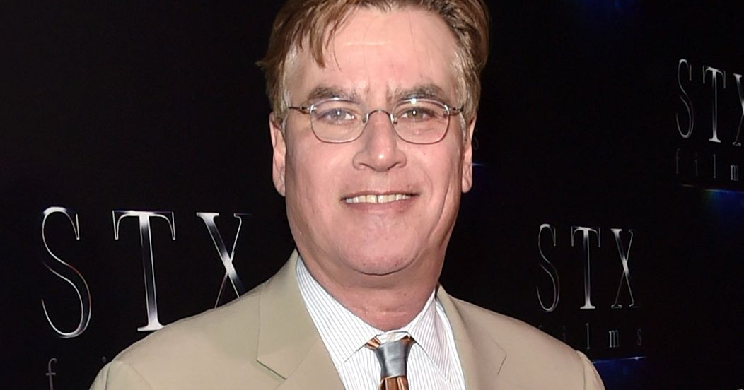 aaron sorkin Aaron sorkin, writer: the west wing aaron sorkin grew up in scarsdale, a suburb of new york city where he was very involved in his high school drama and theater club.