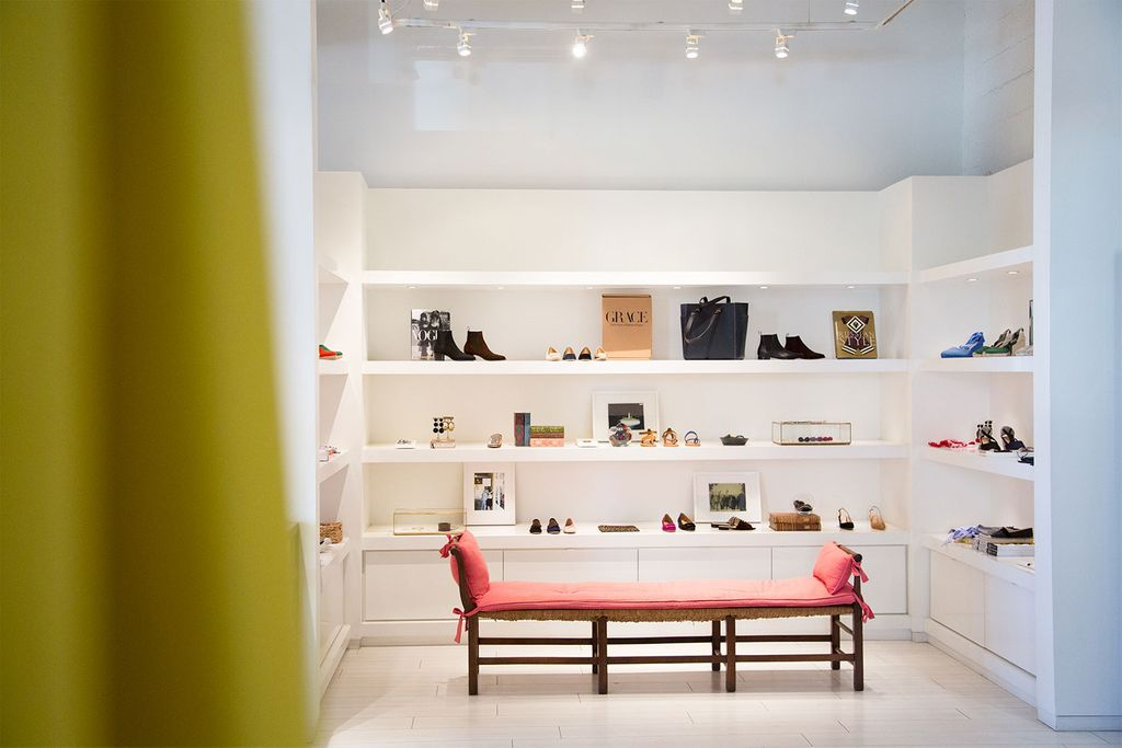 Here, In The Womenu0027s Store, Everything Is Presented Within Venues That  Allow Perusing In Peace. The Modern Clean Sweep Of Retail Space In All  Mashburn Shops ...