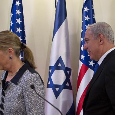 JERUSALEM, ISRAEL - NOVEMBER 20: Israel's Prime Minister Benjamin Netanyahu (R) and U.S. Secretary of State Hillary Clinton leave after delivering joint statements November 20, 2012 in Jerusalem, Israel. The United States signaled today that a Gaza truce could take days to achieve after Hamas, the Palestinian enclave's ruling Islamist militants, backed away from an assurance that it and Israel would stop exchanging fire within hours.  (Photo by Baz Ratner-Pool/Getty Images)