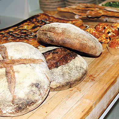 Pizza Tannenbaum.Saraghina Pizza S Edoardo Mantelli Opening A Bakery Next Door