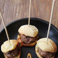 Lamb-on-pão-de-queijo sliders.