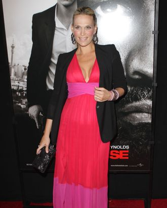 Molly Sims and her bump.