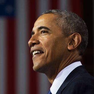 US President Barack Obama delivers remarks after touring the Hannover Messe Trade Fair in Hanover, Germany, April 25, 2016.