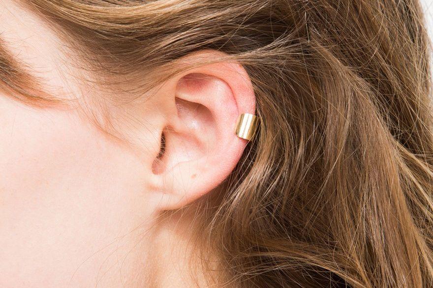 J. Hannah Minimal Ear Cuff