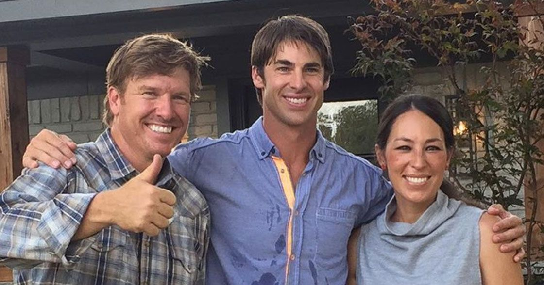 hgtv fixer upper star claims house hunting scene is fake. Black Bedroom Furniture Sets. Home Design Ideas