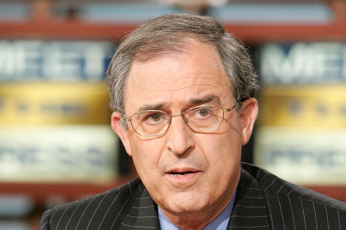"Lanny Davis, a supporter of U.S. Sen. Joe Lieberman (D-CT), speaks during a taping of ""Meet the Press"" at the NBC studios August 6, 2006"