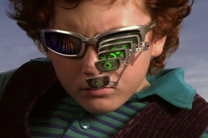Spy Kids Zoom-Glasses Meme Gets Popular On Reddit