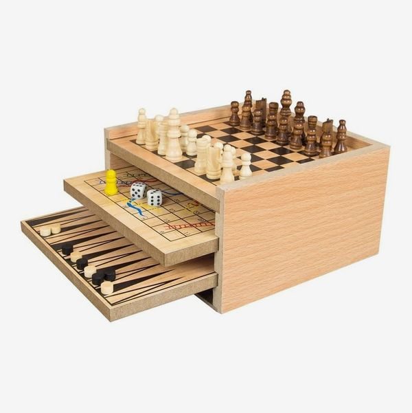 Invero Deluxe Classic Wooden 7 in 1 Fun Family Games Set