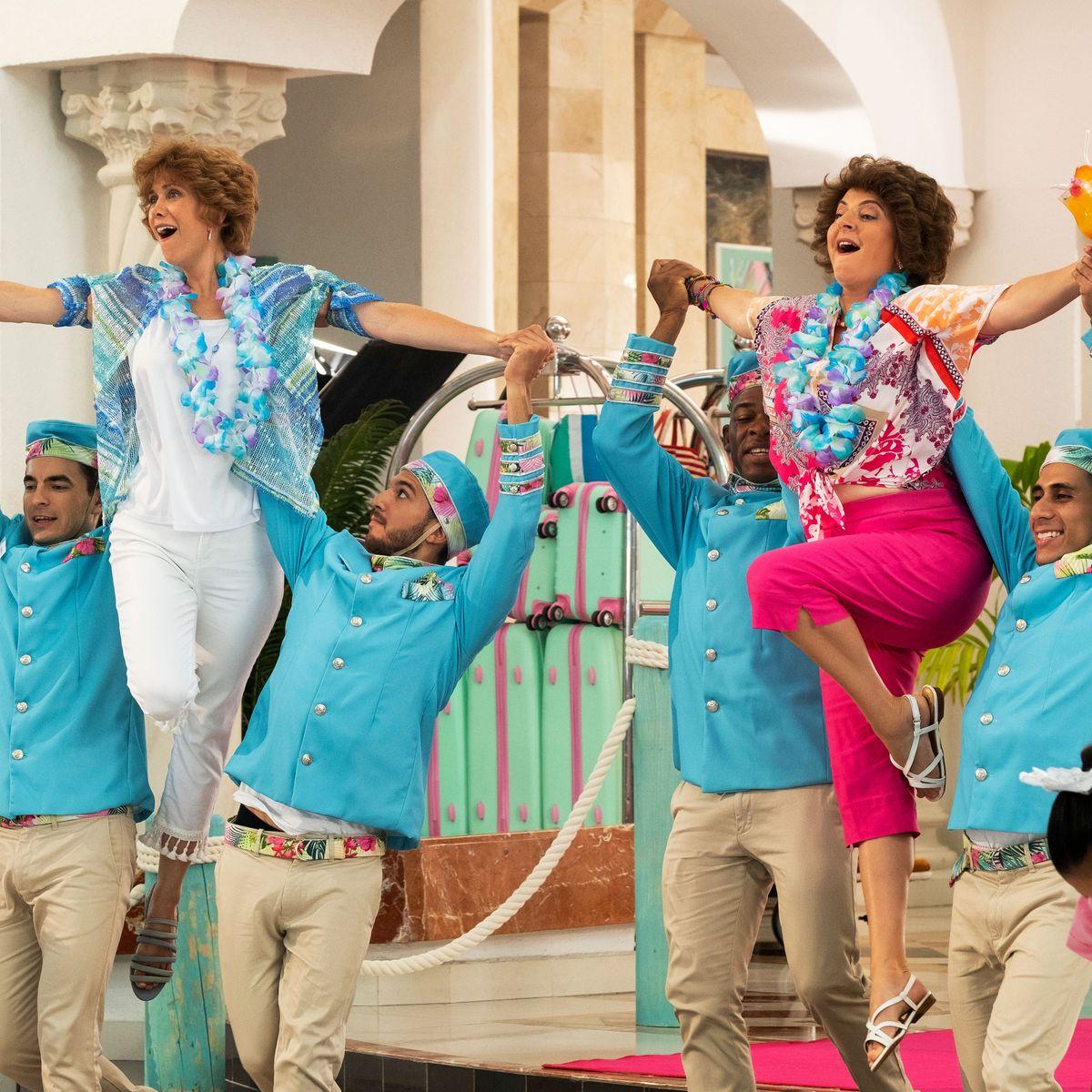 Film Review: Barb & Star Go to Vista del Mar w/ Kristen Wiig