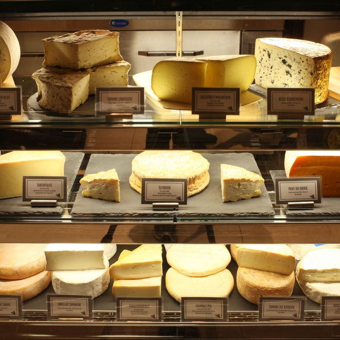 A selection of American and French cheese at Épicerie Boulud.