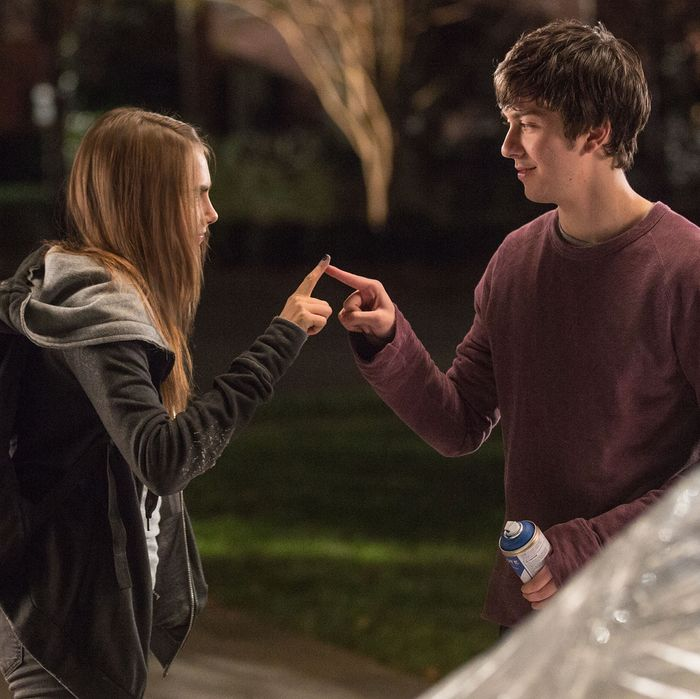 DF-05969rv2 Longtime neighbors Margo (Cara Delevingne) and Quentin (Nat Wolff) reconnect in a memorable way.Photo credit: Michael Tackett
