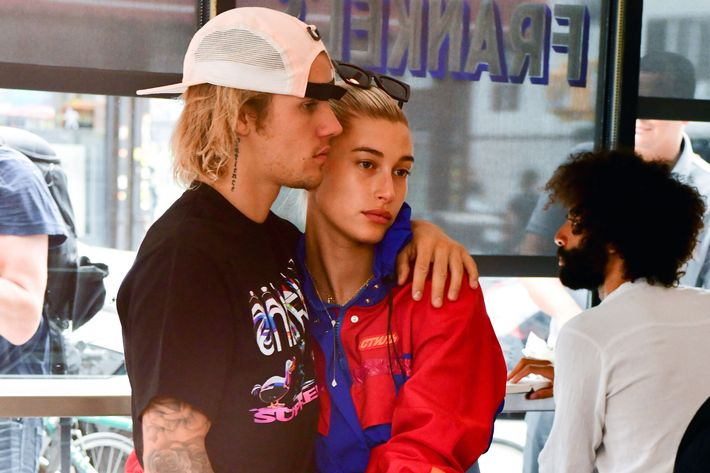 Justin Bieber and Hailey Baldwin at deli.