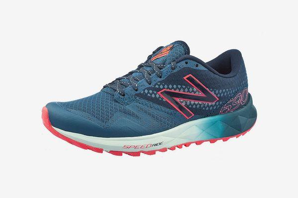 New Balance Women's wt690 Trail Running Sneaker