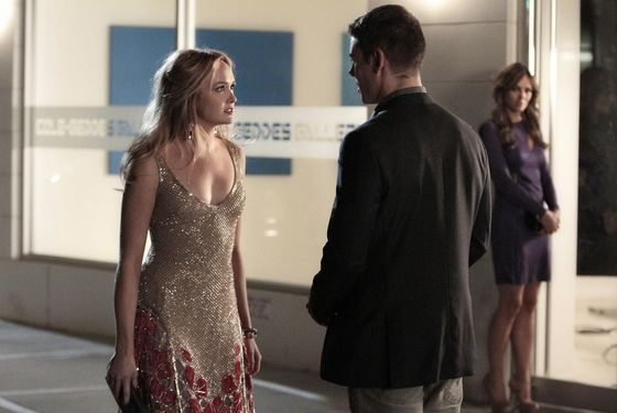 """The Big Sleep No More""GOSSIP GIRL Pictured (L-R)Kaylee DeFer as Charlotte 'Charlie' Rhodes,  Brian J. Smith as Max and  Elizabeth Hurley as Diana Payne  PHOTO CREDIT: GIOVANNI RUFINO/©2011 The CW Network, LLC. All Rights Reserved"