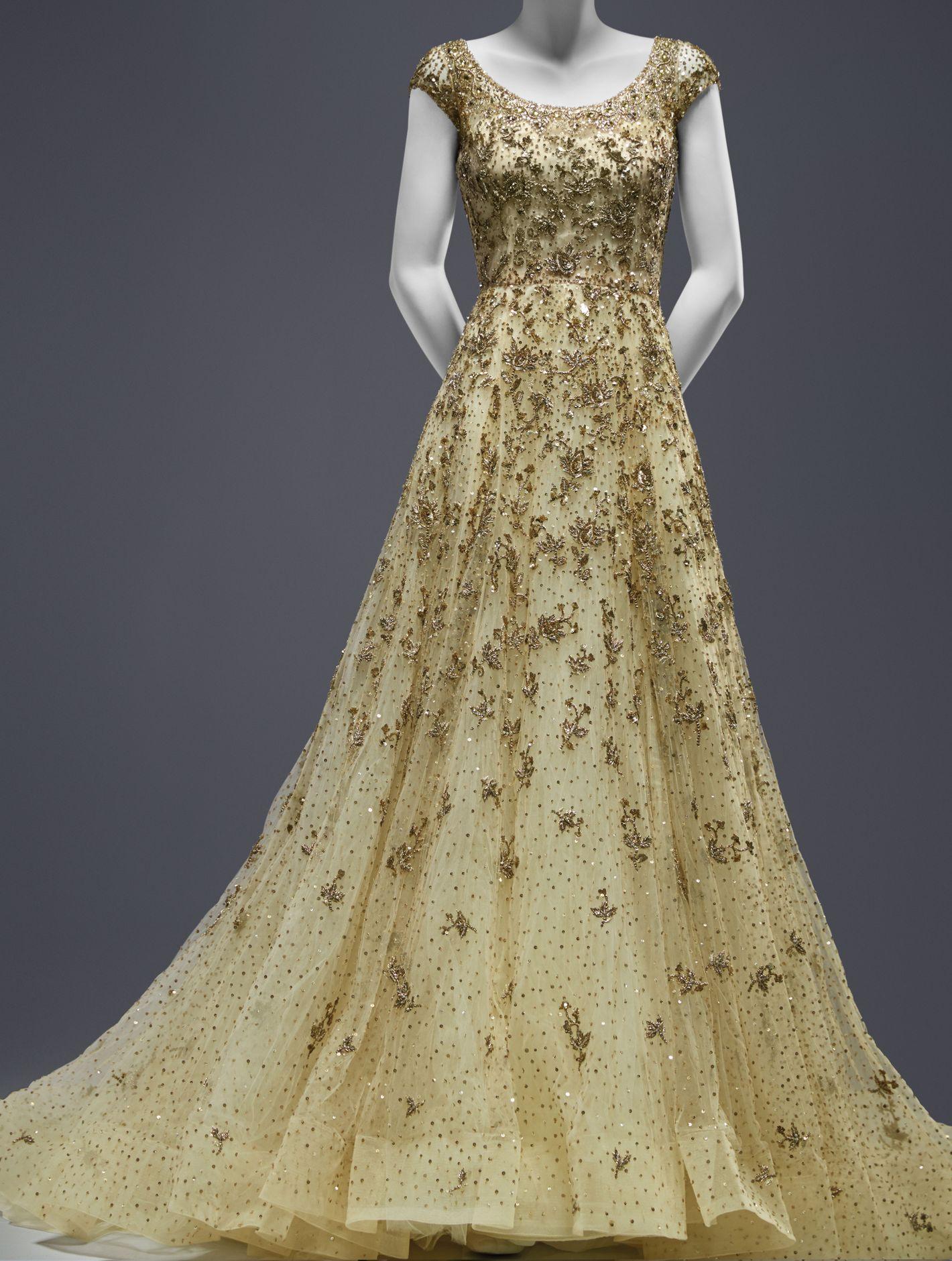 Huma abedin on her oscar de la renta wedding gown junglespirit Image collections