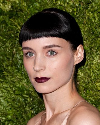 NEW YORK, NY - NOVEMBER 14: Actress Rooney Mara attends the 8th Annual CFDA/Vogue Fashion Fund Awards at the Skylight SOHO on November 14, 2011 in New York City. (Photo by D Dipasupil/Getty Images)