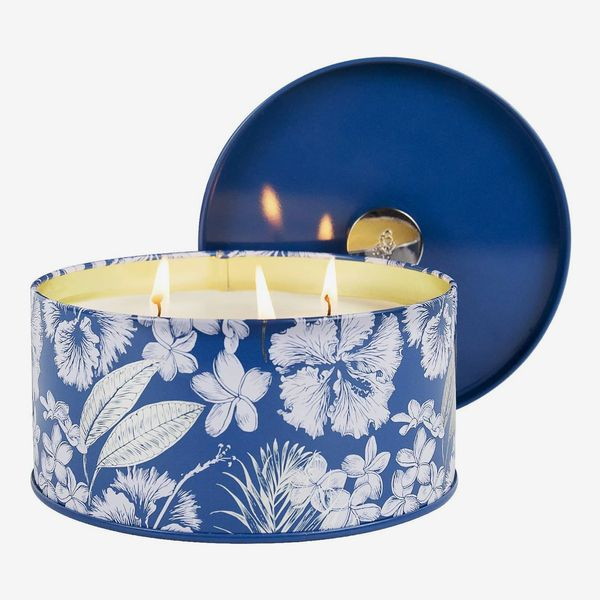 La Jolíe Muse Three Wick Candle in Sandalwood Cotton