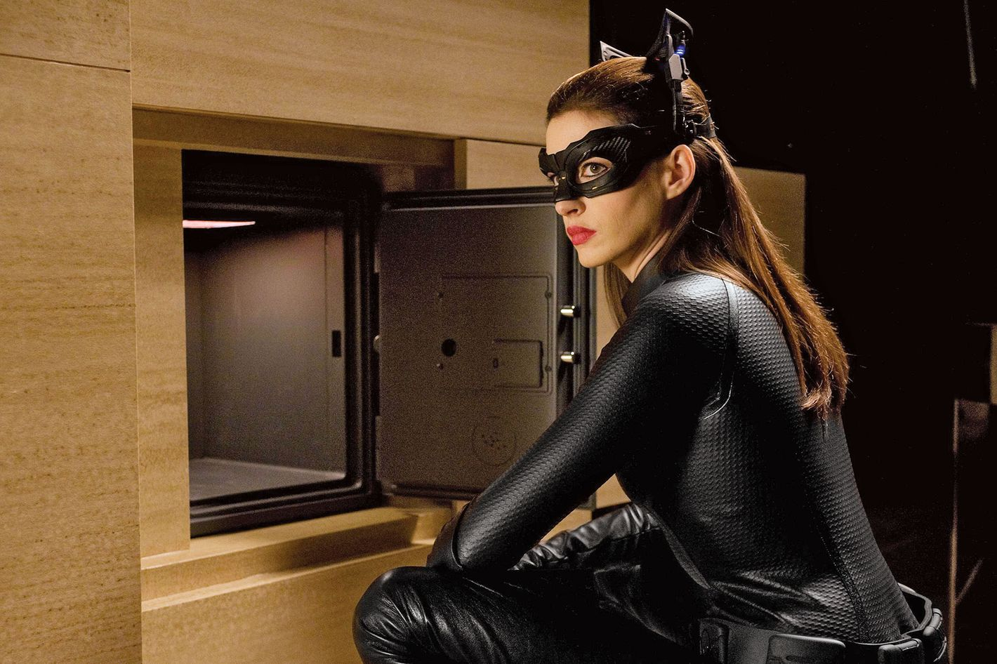 catwoman dating