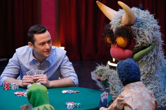 JOSEPH GORDON-LEVITT, KERMIT THE FROG, THE GREAT GONZO, BIG MEAN CARL