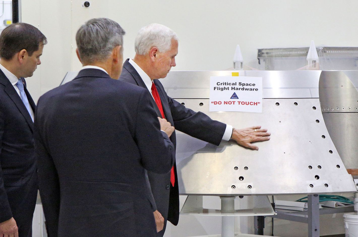 [Image: 07-mike-pence-nasa-do-not-touch.nocrop.w...647.2x.jpg]