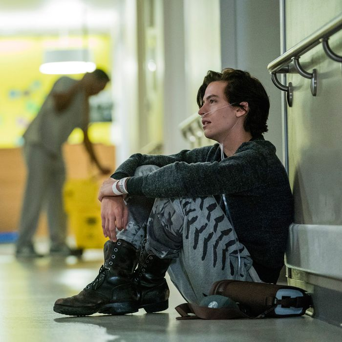 Five Feet Apart Kitap: 'Five Feet Apart' Movie Review
