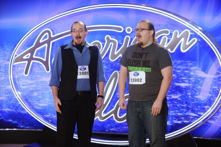 AMERICAN IDOL: L-R: Andrew and Aaron Birdwell perform in front of the Judges on AMERICAN IDOL airing Wednesday, Jan. 20 (8:00-9:00 PM ET/PT) on FOX. © 2016 Fox Broadcasting Co. Cr: Craig Blankenhorn / FOX.