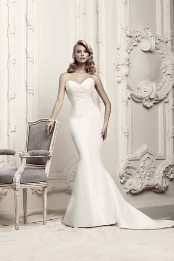 632b638a2e3 NYC Bridal Gown Stores - New York Weddings Guide