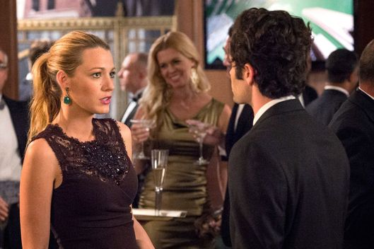 GOSSIP GIRL-- Revengers -- Pictured (L-R): Blake Lively as Serena Van Der Woodsen and Penn Badgley as Dan Humphrey