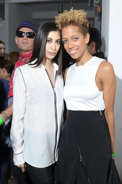 Designers Michelle Ochs (L) and Carly Cushnie