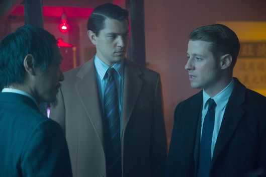 "GOTHAM:  Gordon (Ben McKenzie, R) and Dent (guest star Nicholas D'Agosto, C) interview a suspect (guest star Perry Yung, L) in the ""Everyone Has A Cobblepot"" episode of GOTHAM airing Monday, March 2 (8:00-9:00 PM ET/PT) on FOX.  ?2015 Fox Broadcasting Co.  Cr:  Jessica Miglio/FOX"