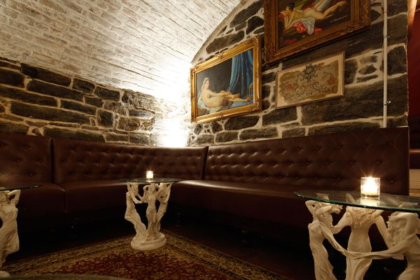 This New Brooklyn Heights Bar Draws Design Inspiration From Marie Antoinette