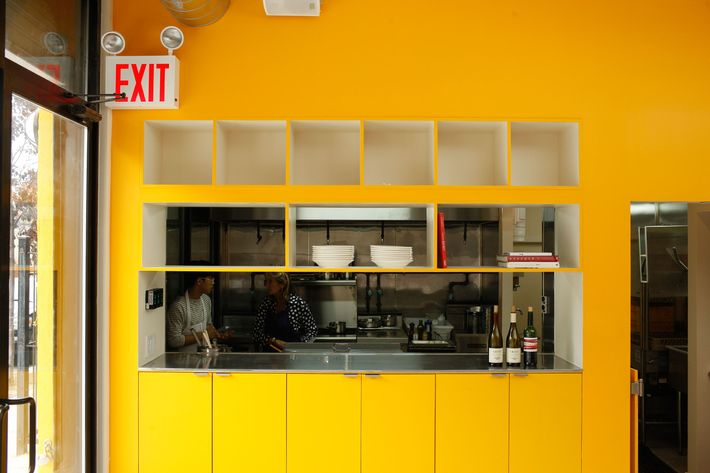paris comes to brooklyn in the form of new bushwick bistro le garage. Black Bedroom Furniture Sets. Home Design Ideas