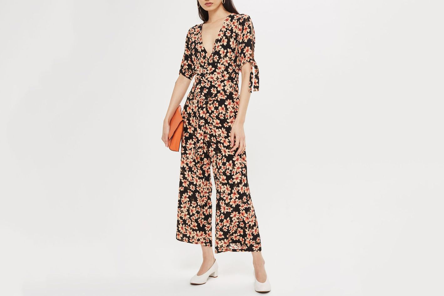 15 Dressy Jumpsuits to Wear to a Wedding 2018 b3fcc7f64