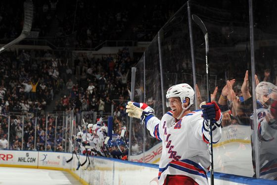 UNIONDALE, NY - NOVEMBER 15: Brad Richards #19 of the New York Rangers celebrates scoring what would be the game winning goal during the third period against the New York Islanders at Nassau Coliseum on November 15, 2011 in Uniondale, New York. (Photo by Christopher Pasatieri/Getty Images)