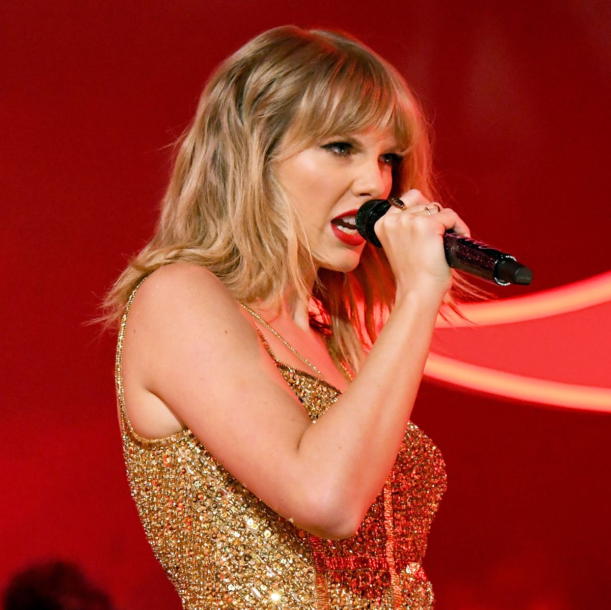 Taylor Swift Announces New Christmas Song On Gma