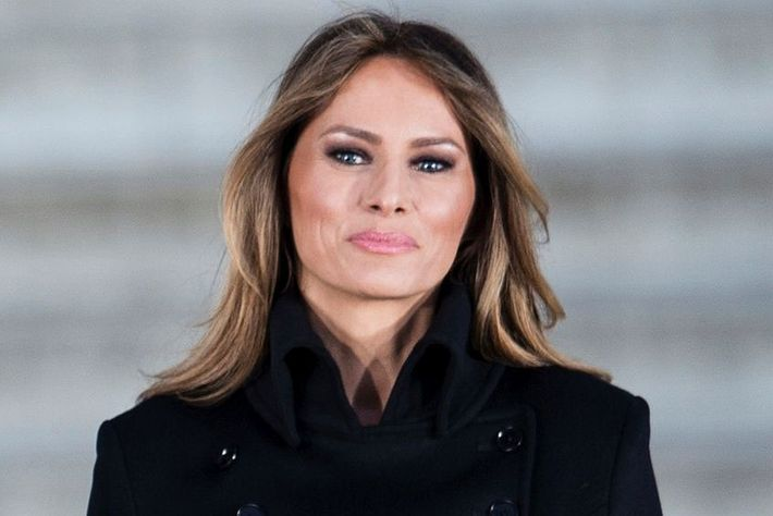 photos melania trump lawsuit daily mail