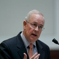 SAN FRANCISCO - MARCH 5: Attorney Kenneth Starr speaks as arguments are heard for and against proposition 8 inside the California Supreme Courthouse on March 5, 2009 in San Francisco, California. The arguments are on lawsuits seeking to overturn Proposition 8, the state's voter-approved ban on same-sex marriage. (Photo by Paul Sakuma-Pool/Getty Images) *** Local Caption *** Kenneth Starr