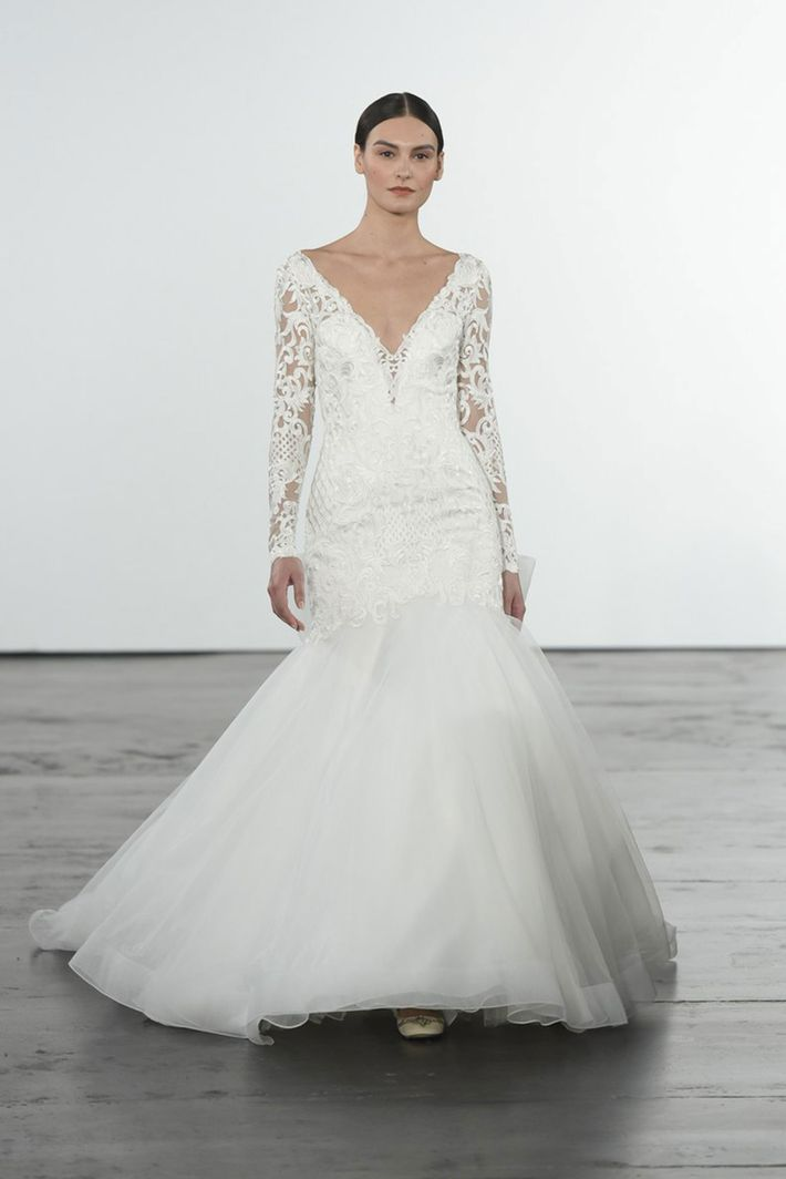 23 elegant long sleeve wedding dresses for winter weddings for Winter style wedding dresses