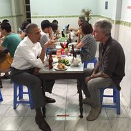 Bourdain and Obama Chilled Over Noodles and Beer in Vietnam