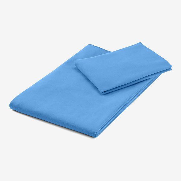 AmazonBasics Sports & Travel Microfibre Towel Set, 1 Bath Towel and 1 Hand Towel
