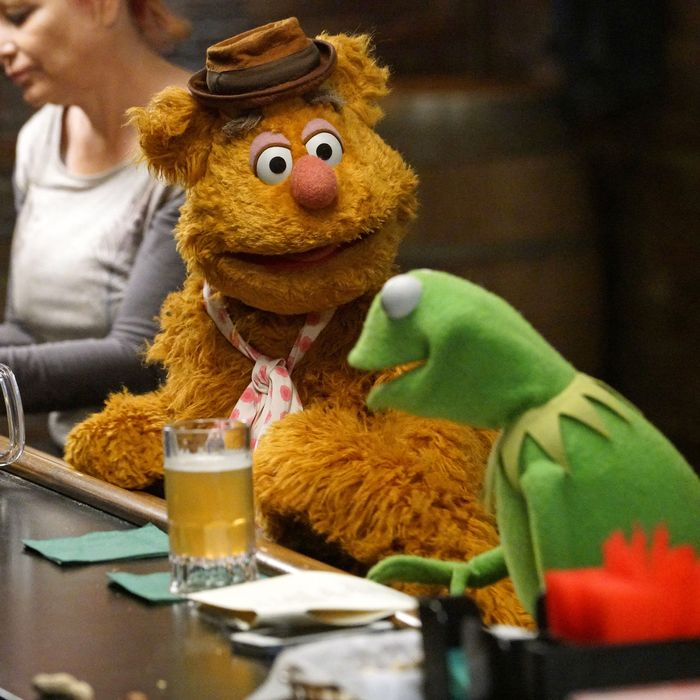 FOZZIE BEAR, KERMIT THE FROG