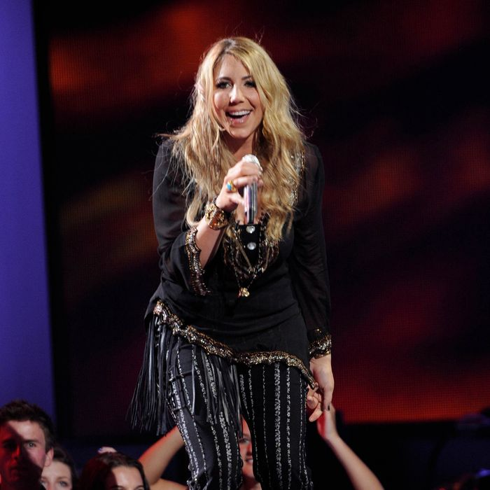 AMERICAN IDOL: Elise Testone performs in front of the Judges on AMERICAN IDOL airing Wednesday, March 28 (8:00-10:00 PM ET/PT) on FOX. CR: Michael Becker / FOX.