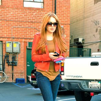Lindsay Lohan debuts her newly dyed redhair