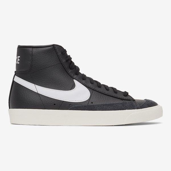 Nike Men's Black Blazer Mid '77 Vintage Sneakers