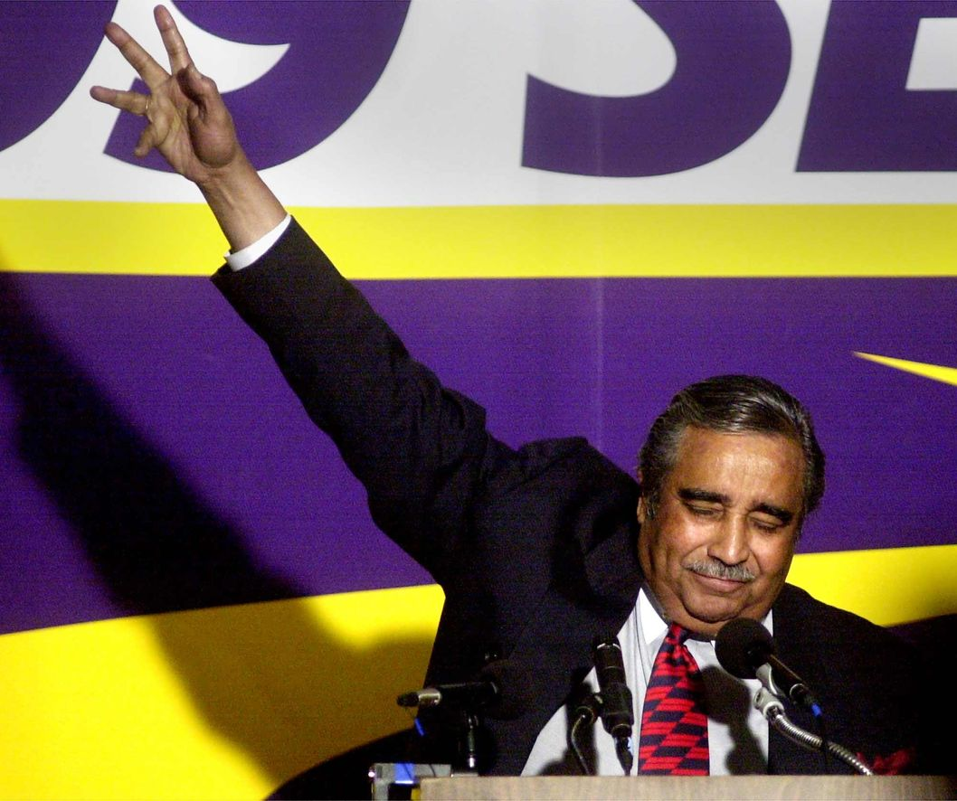 381423 02: Democratic Congressman Charles Rangel appeals to a crowd to vote at a campaign rally for Hillary Rodham Clinton November 6, 2000 in New York City. (Photo by Chris Hondros/Newsmakers)