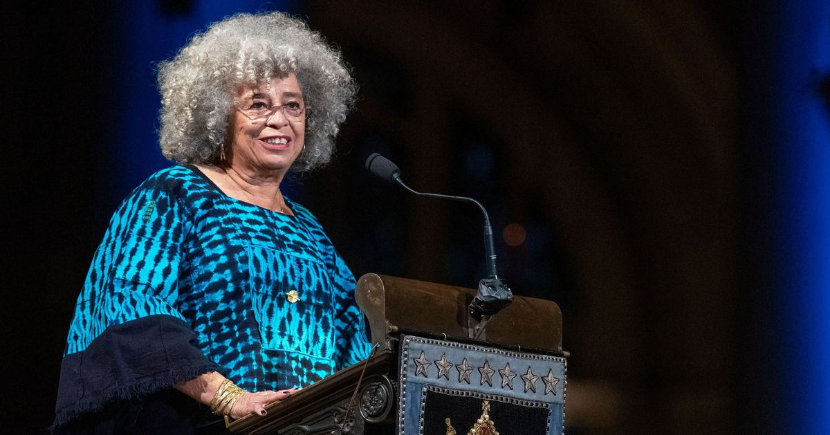 Celebrating Toni Morrison With Oprah, Angela Davis, and Thousands of Her Readers