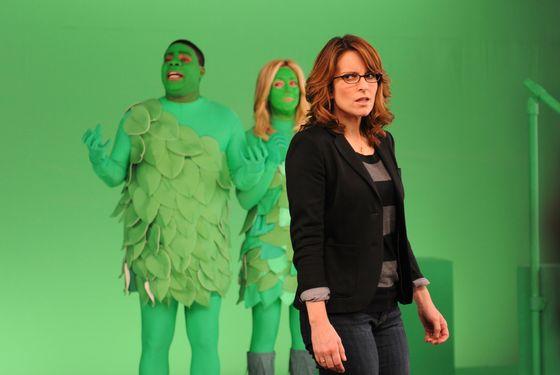 """30 ROCK -- """"A Goon's Deed in a Weary World"""" Episode 711 -- Pictured: (l-r) Tracy Morgan as Tracy Jordan, Jane Krakowski as Jenna Maroney, Tina Fey as Liz Lemon."""