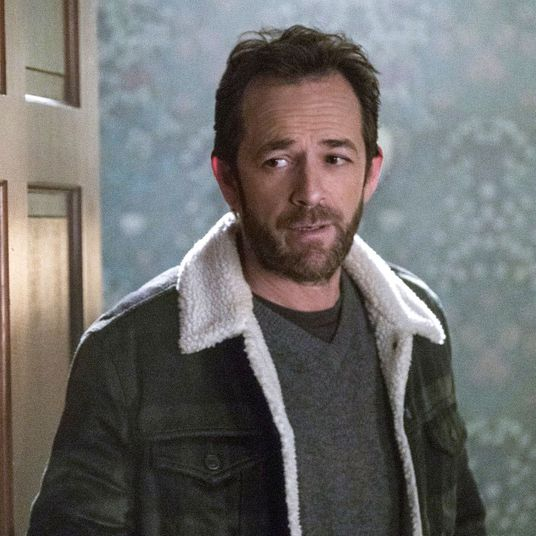 """a2ae7eb04f23f Why Riverdale Didn t Address Luke Perry s Death in Last Night s Finale  """"When Luke passed"""