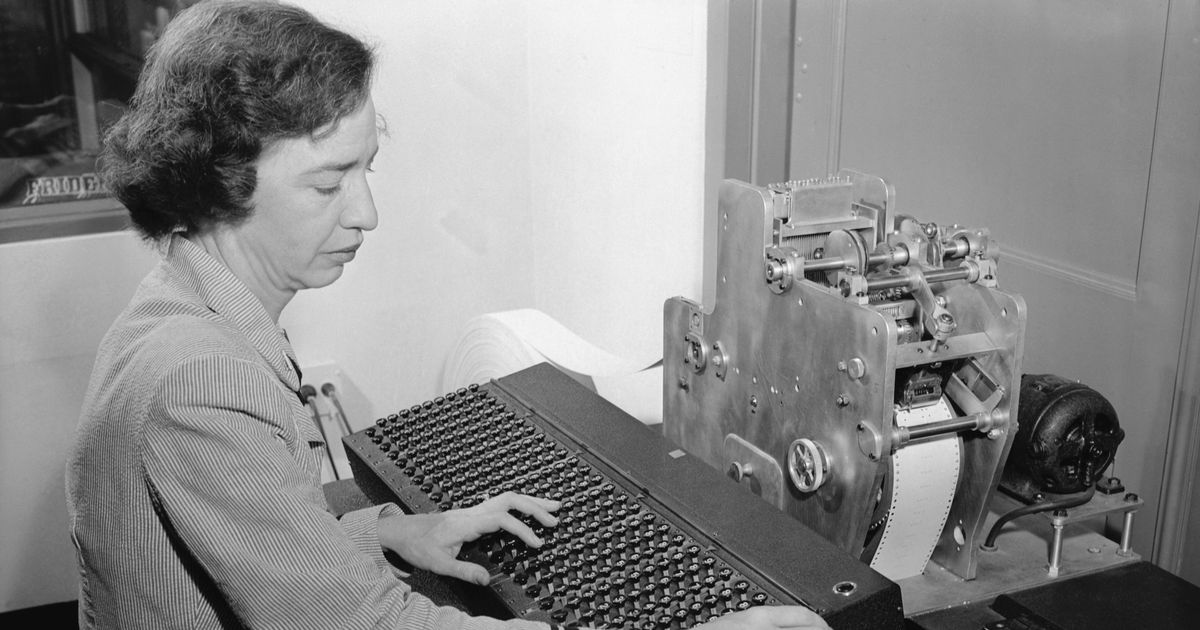 """the importance of computers in the modern era Computer - history of computing:  like modern computers,  the era of the personal computer can be described as the age of """"one person,."""