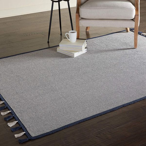 Amazon Brand - Movian Iskar, Rectangular area rug, 129.5 cm x 68.6 cm (L x W), Solid Color pattern